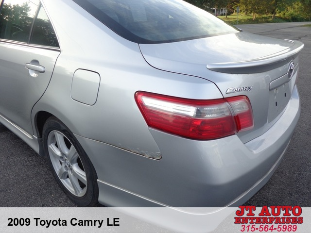 2009 Toyota Camry LE  6-Spd AT